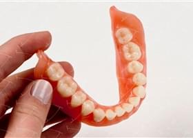 Total Prothesis in Acrylic  Resin with Teeth made of …  con denti del commercio in composito