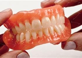 Total Prothesis in Acrylic  Resin with Teeth made of ...con denti del commercio in resina acrilica